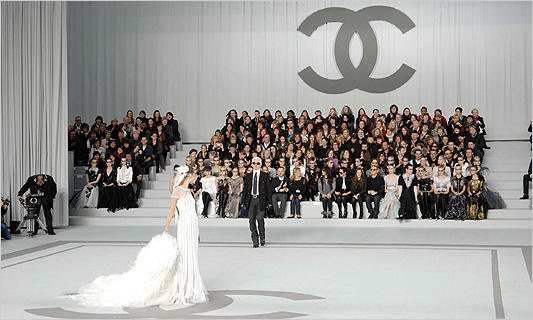 chanel_class_photo