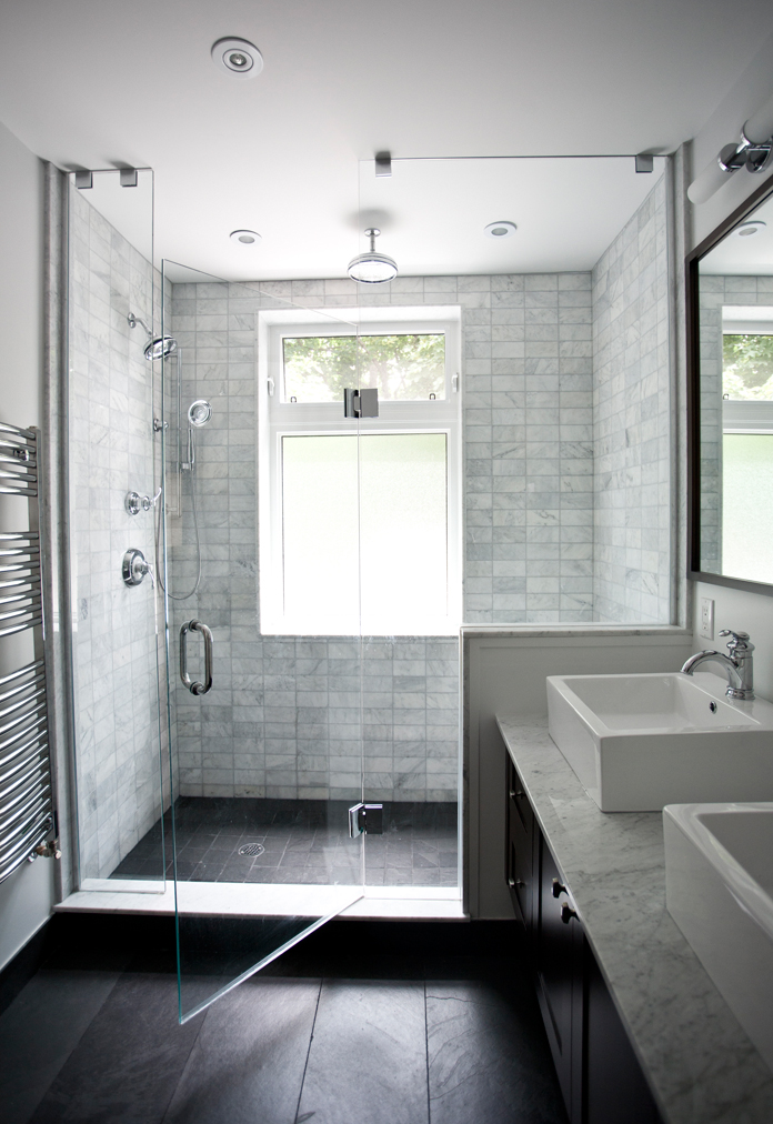 Marble bathroom by catherine davis home 2 mehome 2 me for Small bathroom design no window
